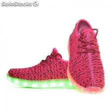 Zapatillas led yeezy rosas y negras